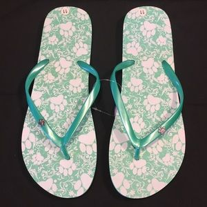 Shoes - 🐾NWT Flip Flops with Paw Prints
